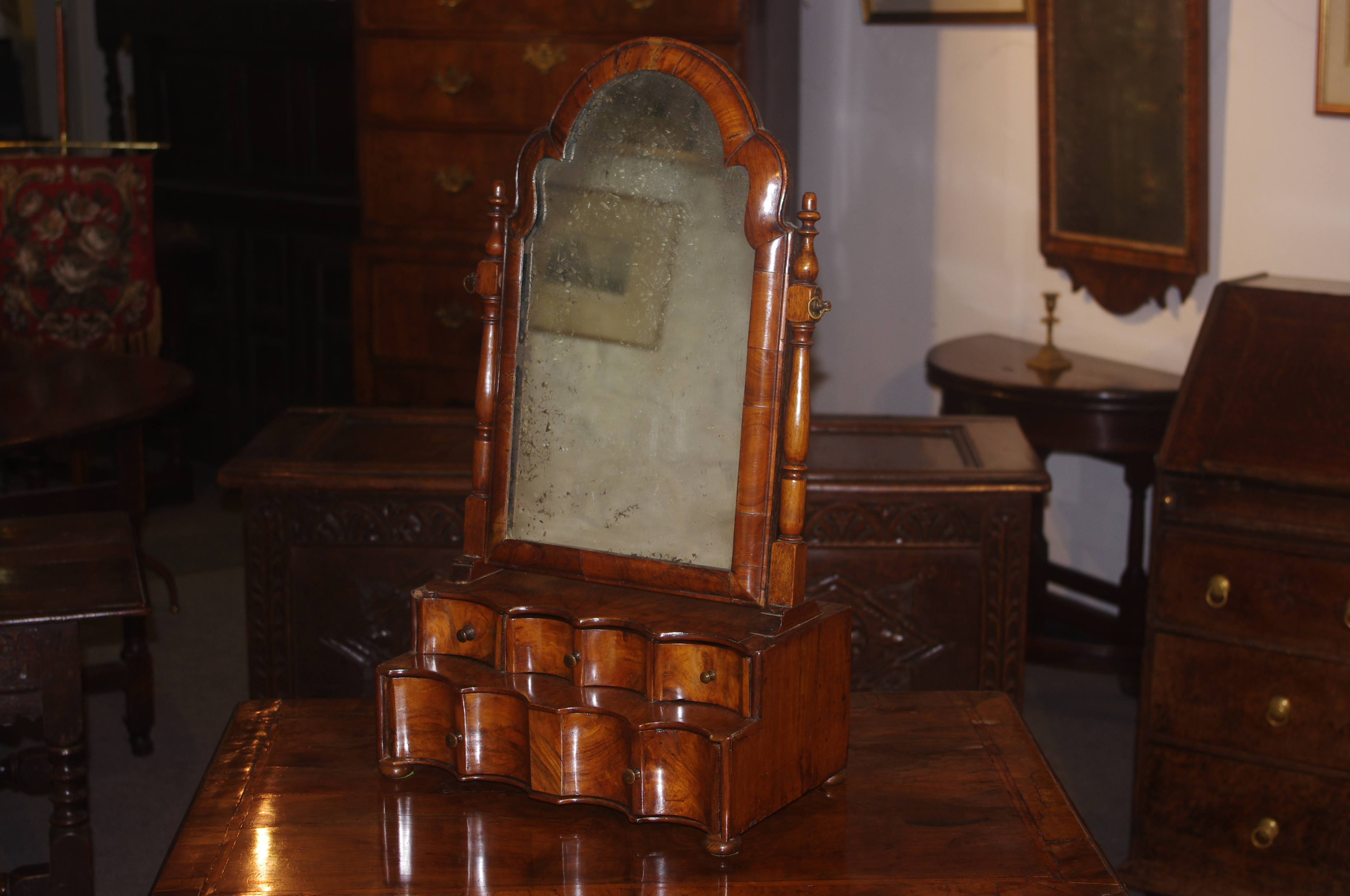 Fine Queen Anne walnut dressing mirror